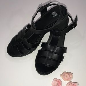 Wild Fable Chunky Black Sandals
